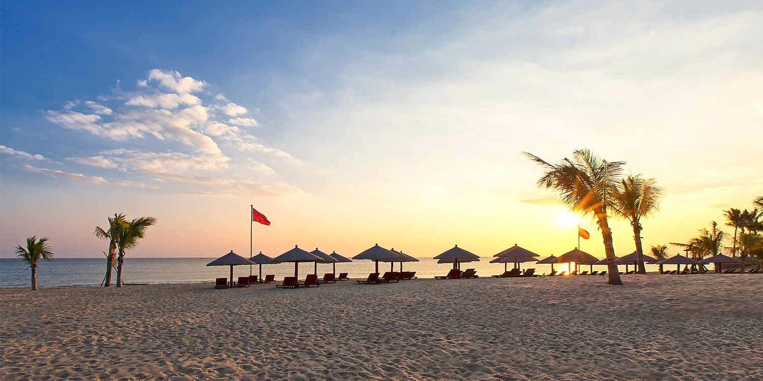 Sanya Beach Resort Travel Package