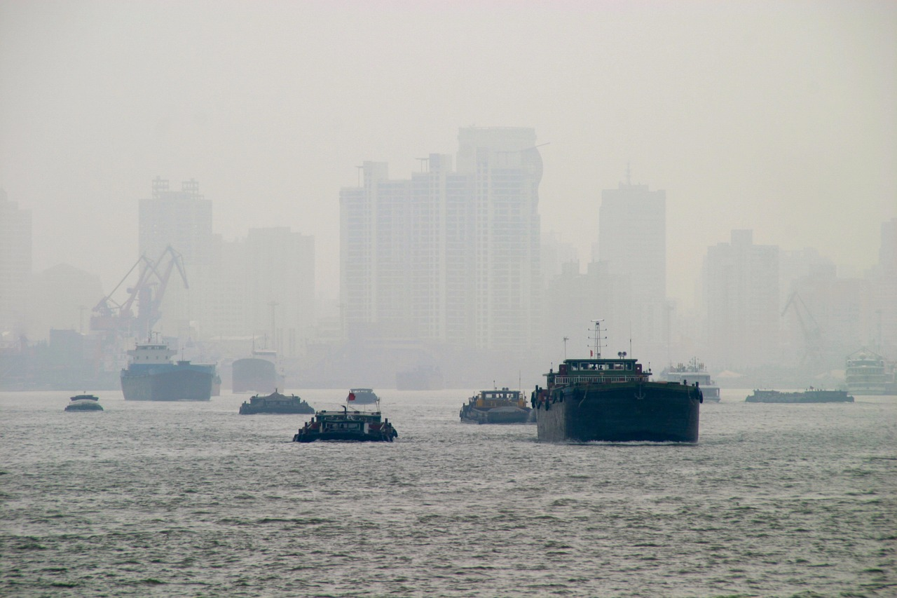 Air Pollution Could Be as Damaging to Lungs as Smoking, Researchers Claim