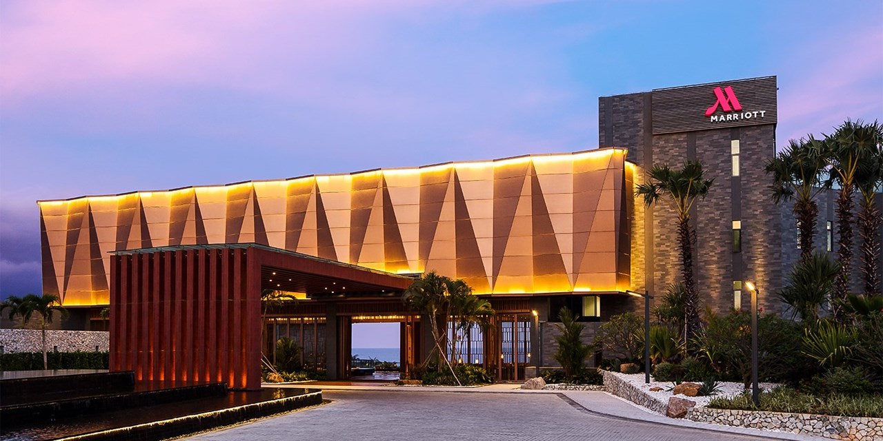 Stay in a Hainan Beach Resort for Under ¥500 a Night!
