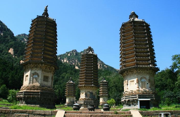 Silver-Pagodas-Hike-2.jpg