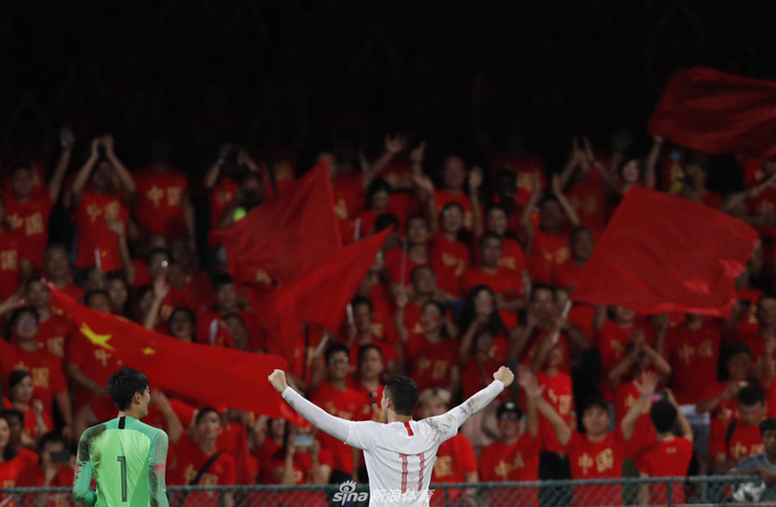 WATCH: Brazilian-Born Elkeson Scores Twice in China Debut