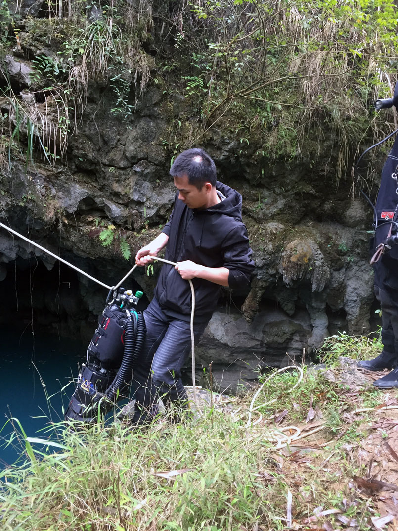 cave-diving-china-13.jpg