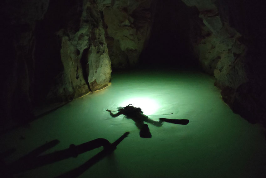 cave-diving-china-9.jpg