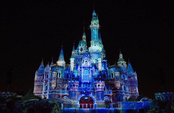 Shanghai Disney Resort Transforms into a 'Frozen'-Themed Wonderland