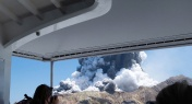 2 Chinese Nationals among Injured after Volcanic Eruption in New Zealand
