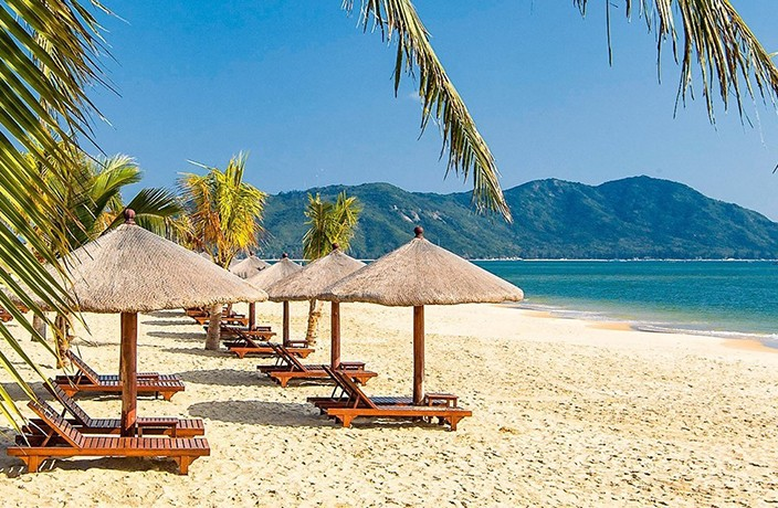 Enjoy the Perfect Tropical Holiday in Sanya With This Amazing Travel Deal