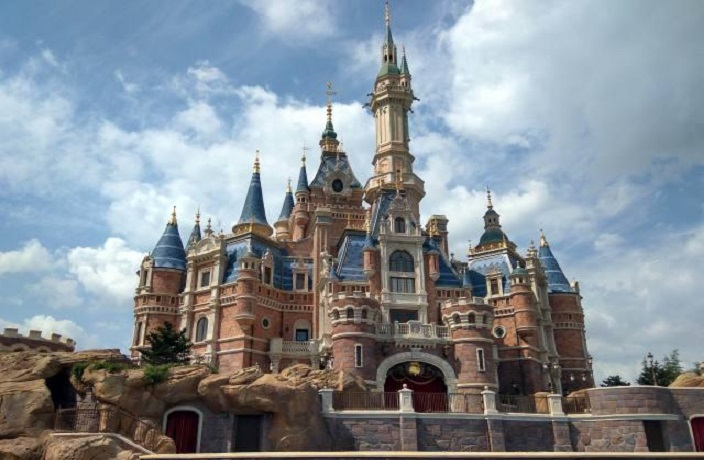 Shanghai Disneyland Theme Park to Reopen Next Week