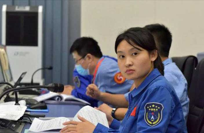 Meet 'Big Sister' Zhou Chengyu – China's Youngest Ever Space Commander