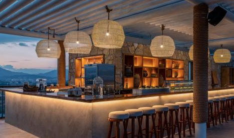 Don't Miss Award-Winning Cocktails in Haitang Bay Tonight