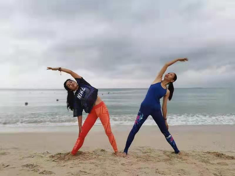mojo-beach-yoga.jpeg